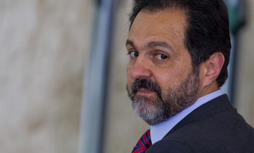 Agnelo Queiroz, cada vez mais justificando o apelido Agnulo (Foto: Dorivan Marinho/Folhapress)